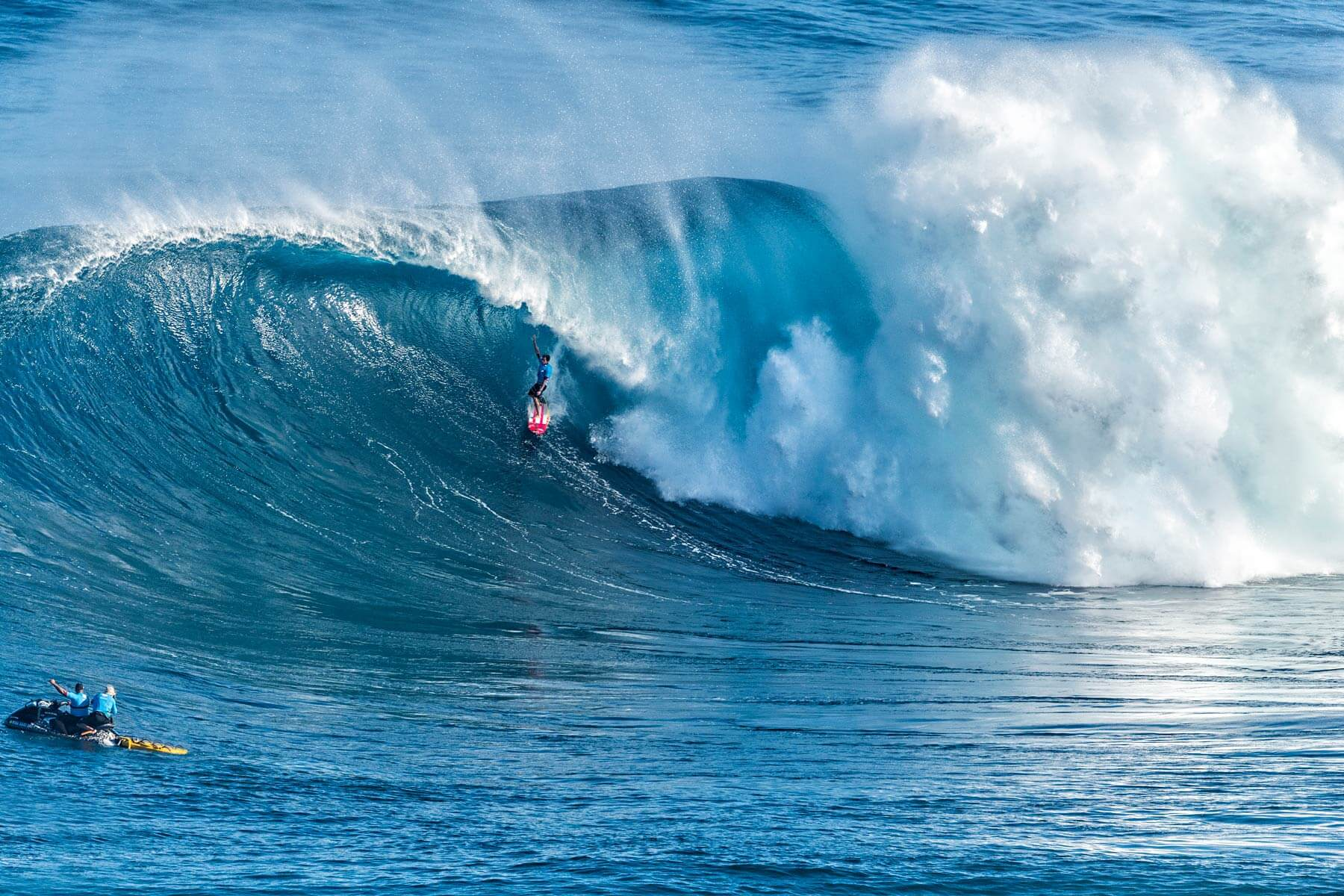 MFC Rider Kai Lenny at Peahi Wave Challenge 2017